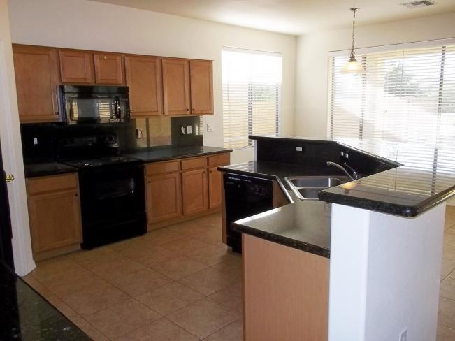 5633 W Carson RD Gourmet Kitchen 2_10022014