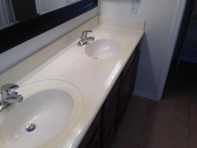 4533 N 22nd ST Master Bathroom