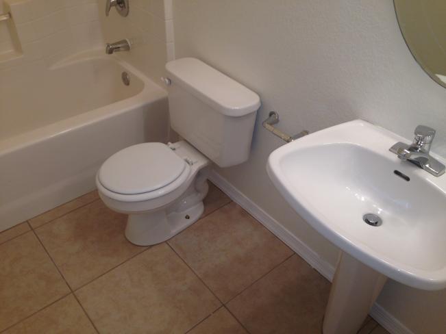 4533 N 22nd ST Bathroom