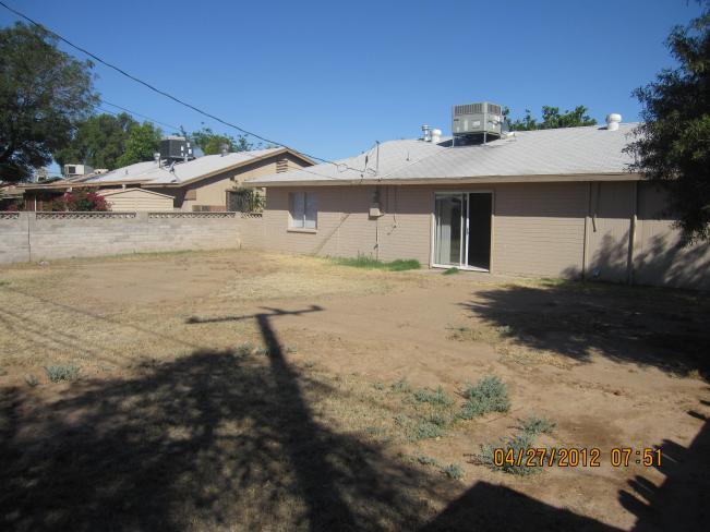 6221 W Marlette AVE Backyard