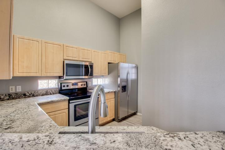 20801 N 90th PL Modern Stainless Appliances_09062018