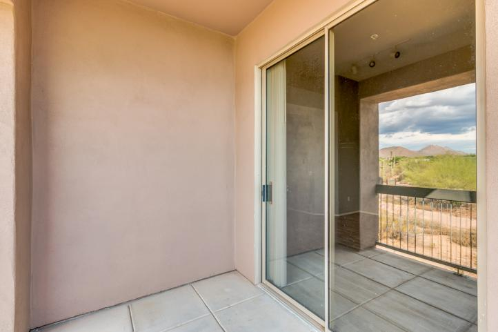 20801 N 90th PL Spacious Private Balcony_09062018