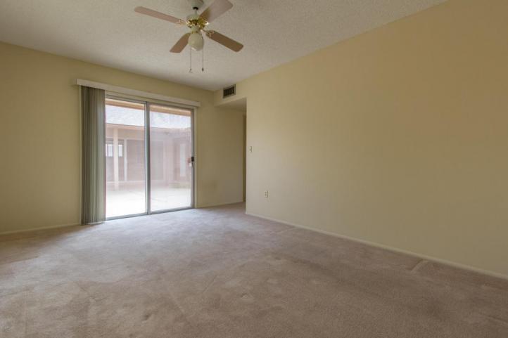 10926 W Deanne Dr bedroom