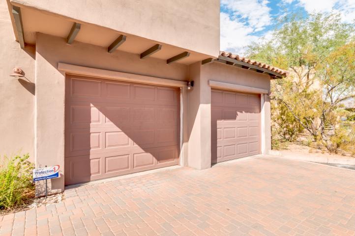 20801 N 90th PL 2 Car Attached Garage!_09062018