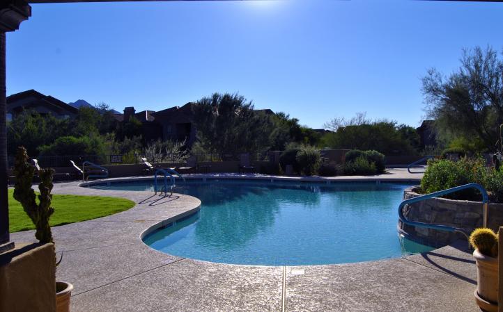 20801 N 90th PL Heated Community Pool & Spa_09062018